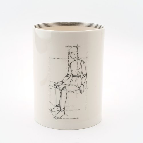MODEL FRONT SEATED LARGE PEN POT