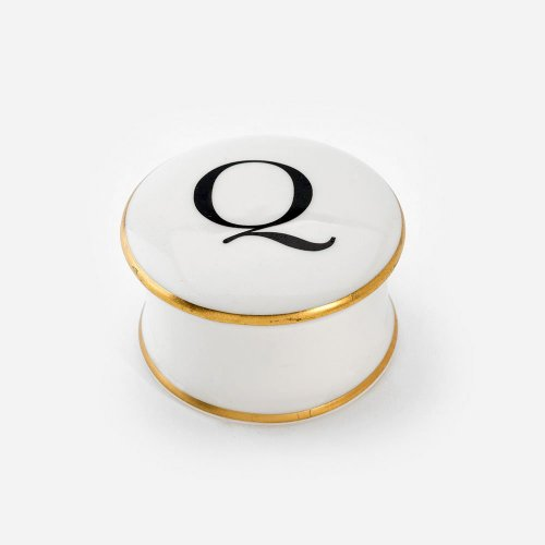 BASKERVILLE LETTER Q TRINKET BOX