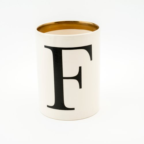 BASKERVILLE LETTER F LARGE PEN POT