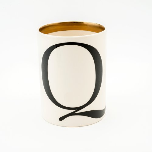 BASKERVILLE LETTER Q LARGE PEN POT