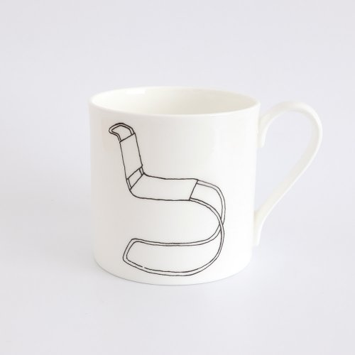 MR10 CHAIR HALF PINT MUG