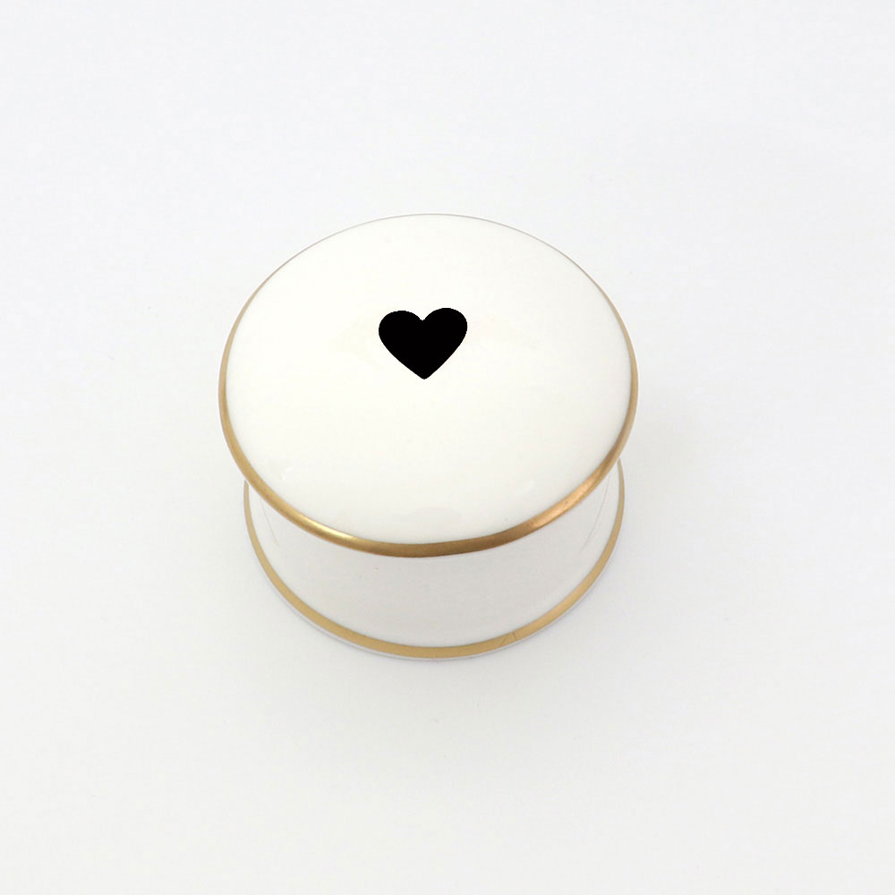 BLACK HEART TRINKET BOX
