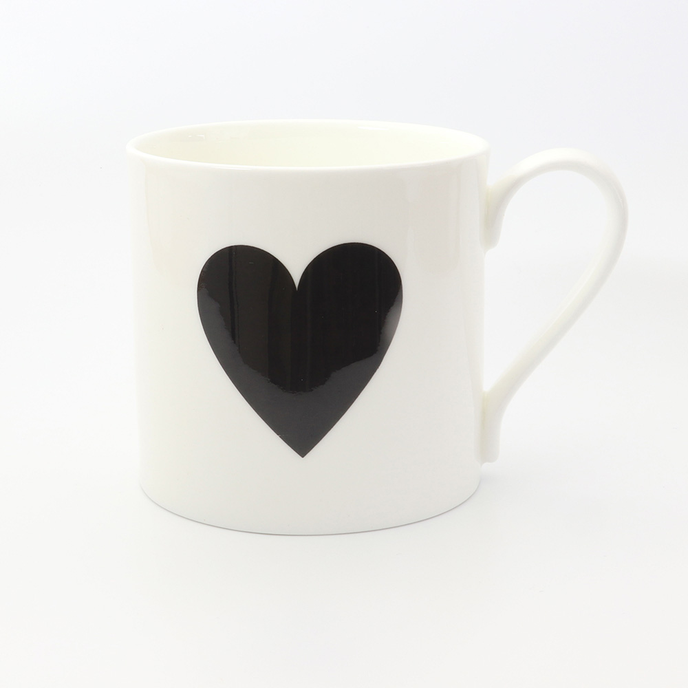 BLACK HEART HALF PINT MUG