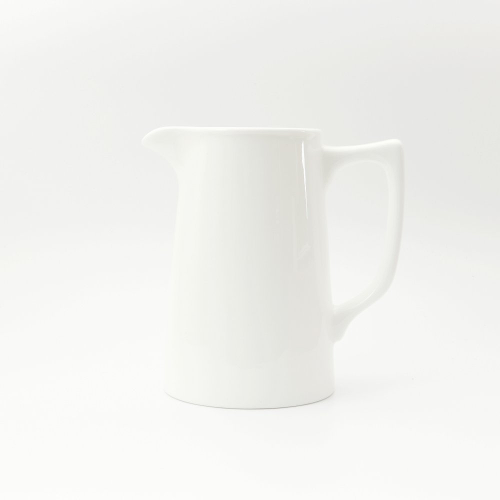 BESPOKE MEDIUM BONE CHINA JUG