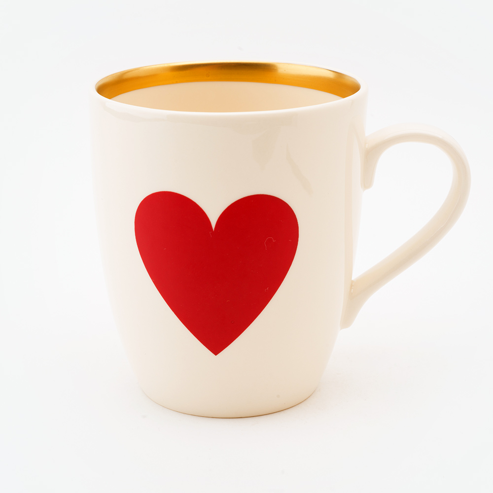 22ct gold red heart mug